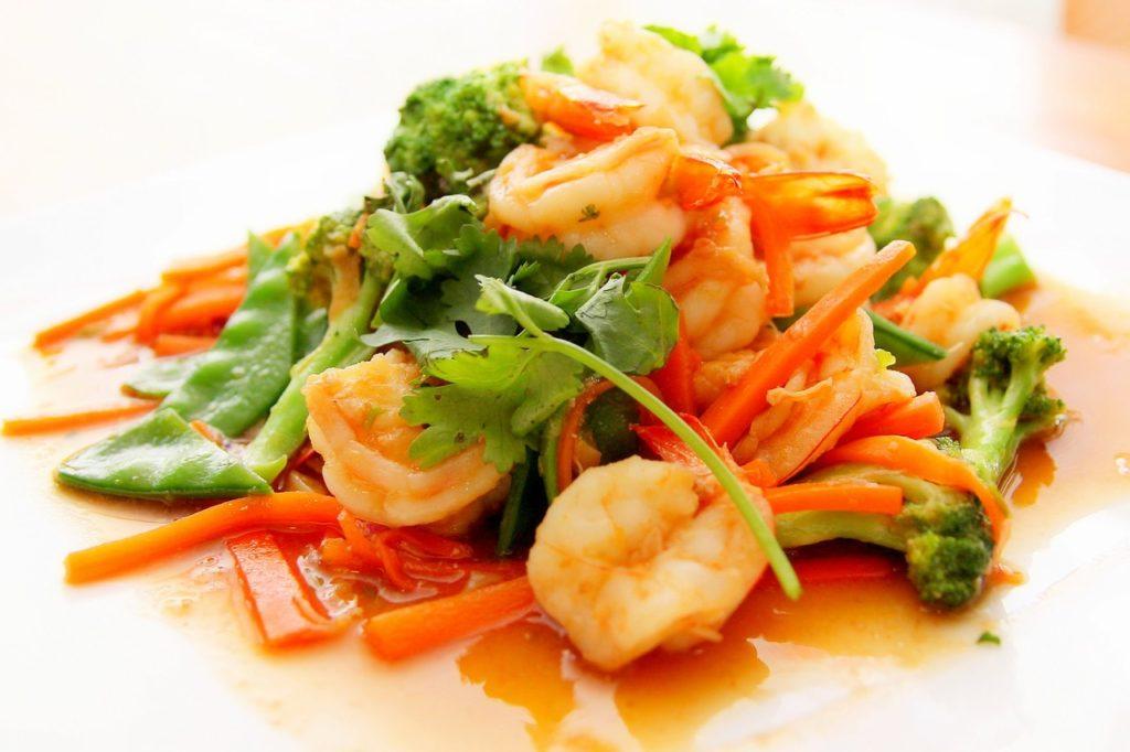 здравословна салата със скариди